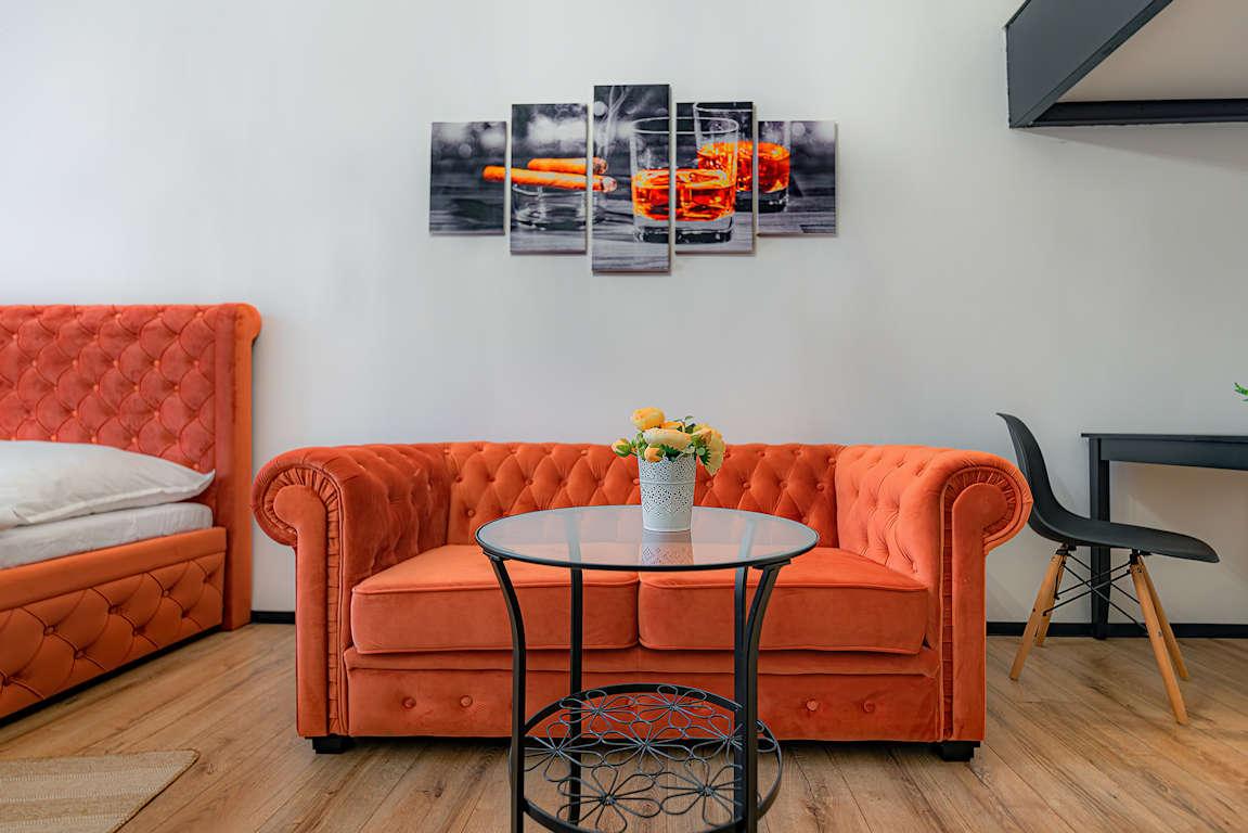 11 - oranžový pokoj